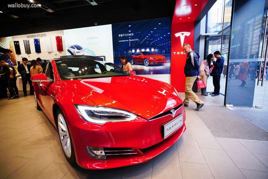 คู่แข่ง ของเทสลาคือชาวจีนที่พร้อมทุ่มทุนLiAuto ผู้ผลิตรถยนต์ไฟฟ้าของจีนกล่าวว่ามีแผนที่จะระดมทุนมากถึง 1.9 พันล้านดอลลาร์สหรัฐ