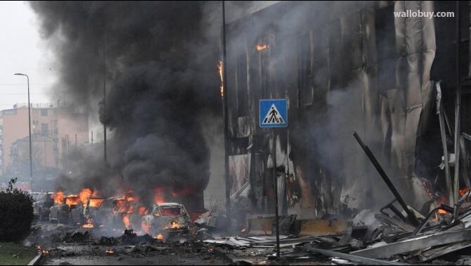 เครื่องบิน มิลานตก เสียชีวิต 8 ราย เครื่องบินส่วนตัวพุ่งชนตึกสำนักงานว่างเปล่าในเมืองมิลาน ทางตอนเหนือของอิตาลี คร่าชีวิตคนบนเครื่องทั้งหมด 8 คน